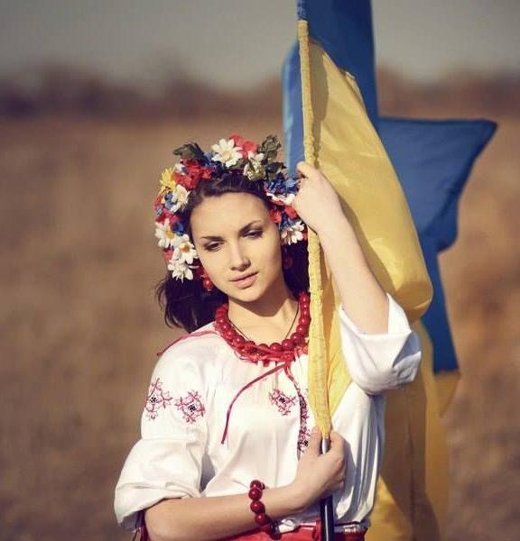 Короткі привітання з 23 лютого українською